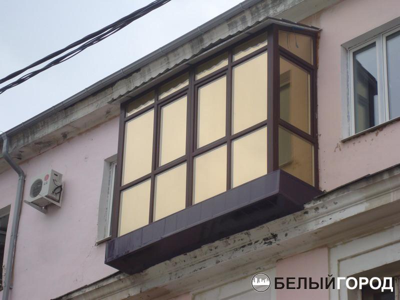 Фотографии балконов, фотографии пластиковых окон. белый горо.